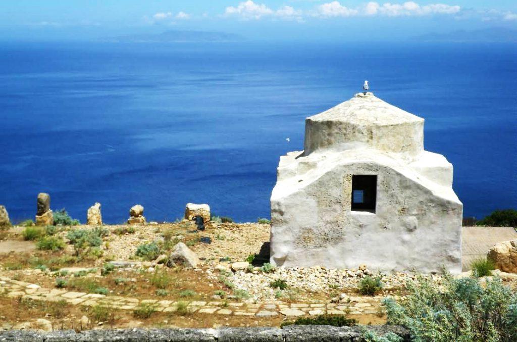 Chiesa bizantina e case romane